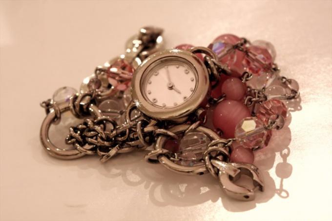 Как изготавливают часы