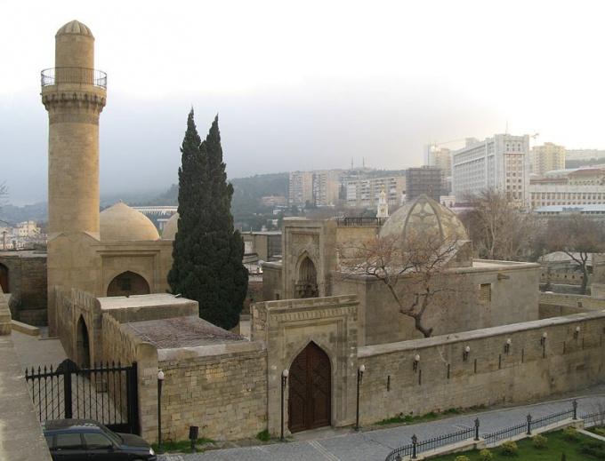 How to get to Baku