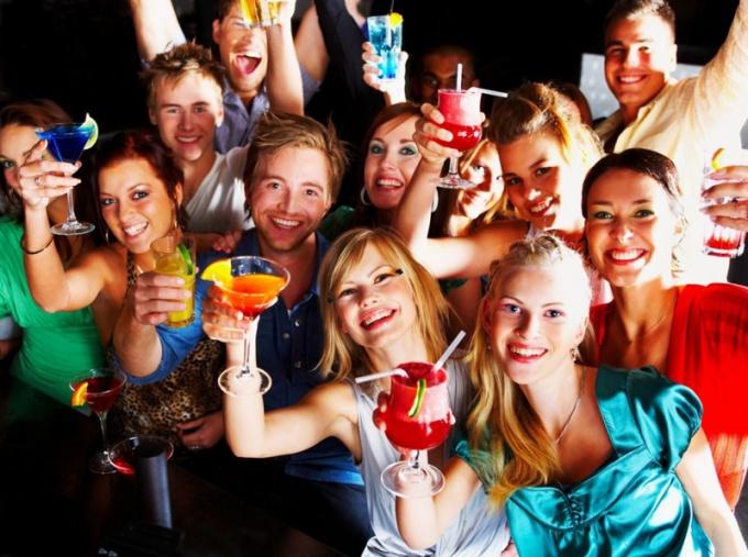 Как вести себя на вечеринке