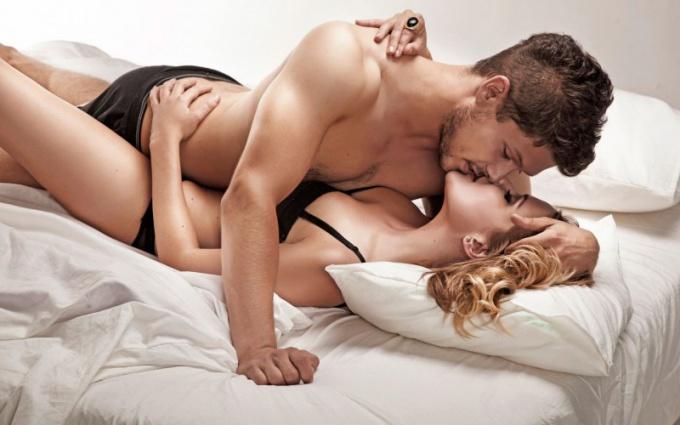 Как девушке двигаться в сексе