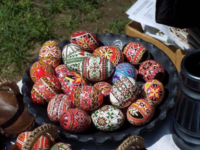 Перед тем, как варить яйца, прочтите инструкцию к красителям
