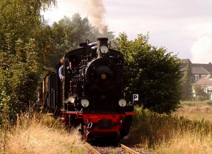 Как в России поначалу назывался паровоз