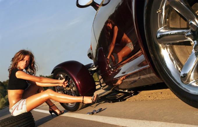 Как заменить автомобильное колесо