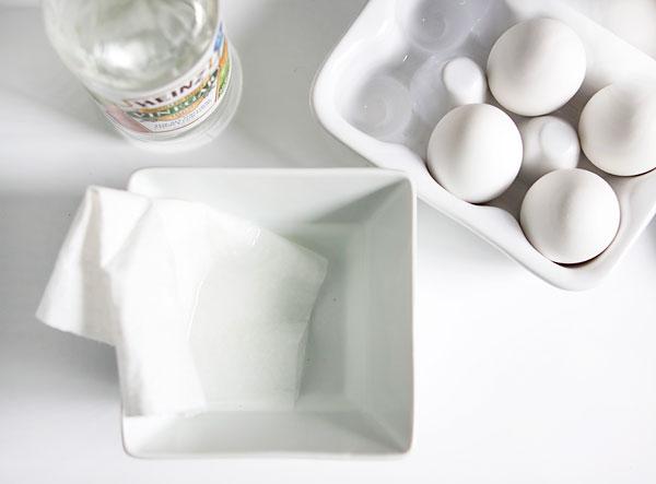 Как окрасить белые яйца в разные цвета