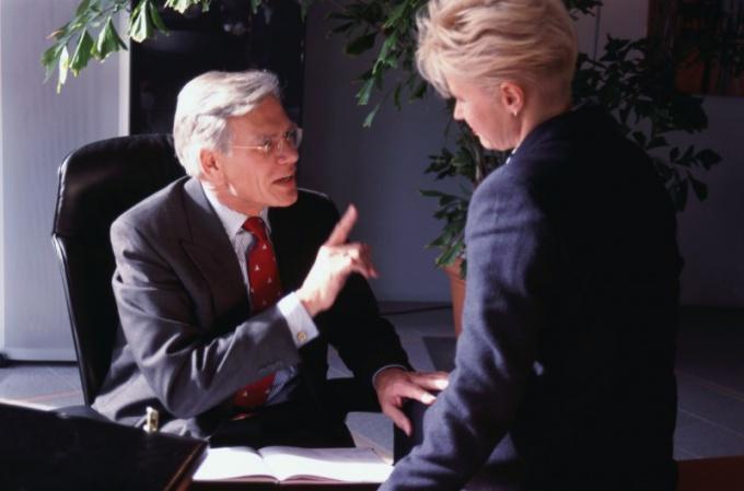 Как ведут допрос следователи