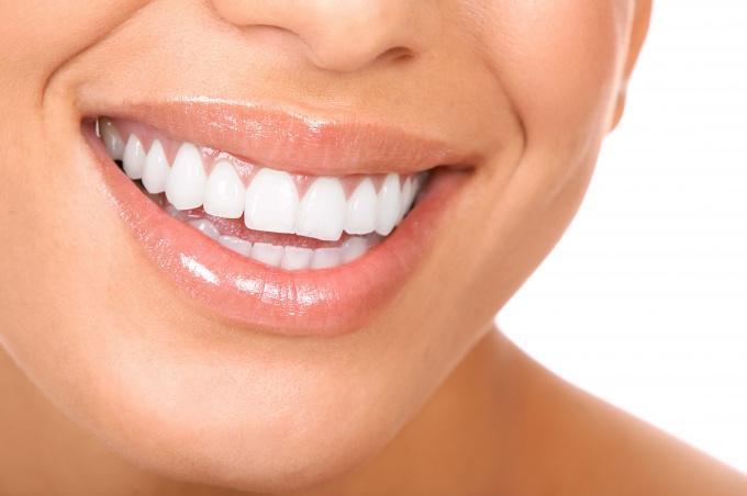 Как сделать улыбку красивой и здоровой