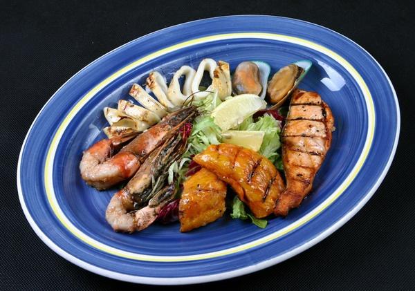Рыба и морепродукты богаты витаминами