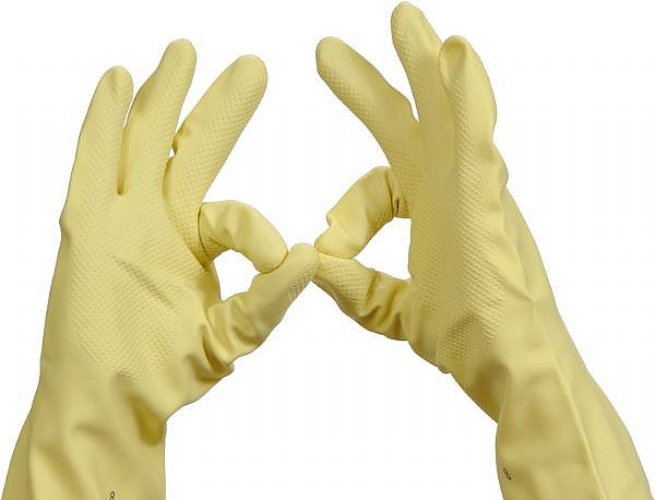 How to clean the toilet bowl - rubber gloves