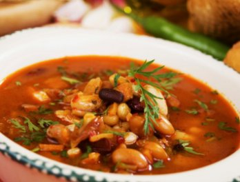 Быстрый суп с консервированной фасолью