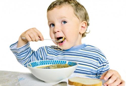 Как перевоспитать избалованного ребенка - взять под контроль питание
