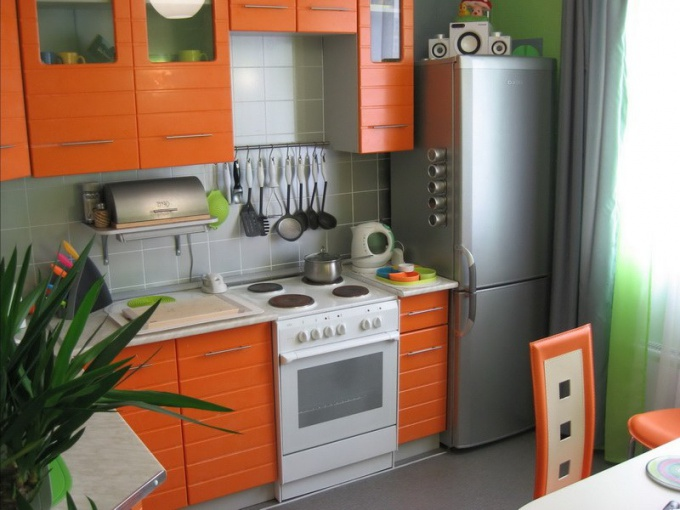 "The design of a small ""Khrushchev"" kitchen"