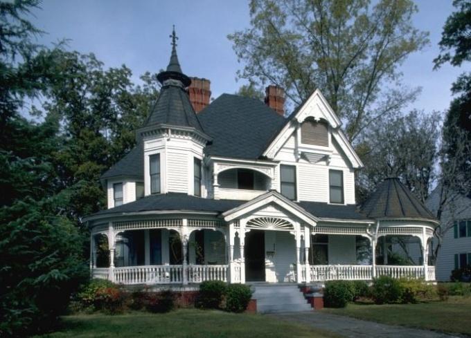 Отделка фасадов домов: оригинальные идеи