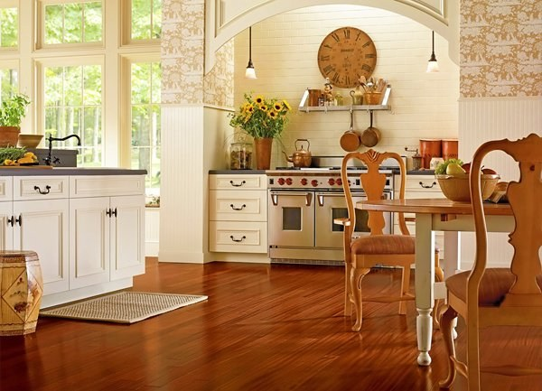 Выбираем пол для кухни: плитка или ламинат