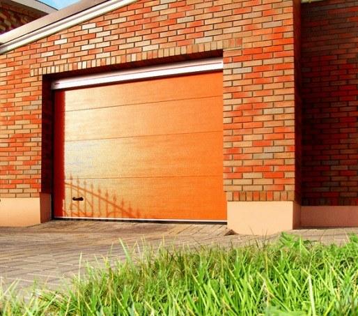 Автоматические гаражные ворота: плюсы и минусы