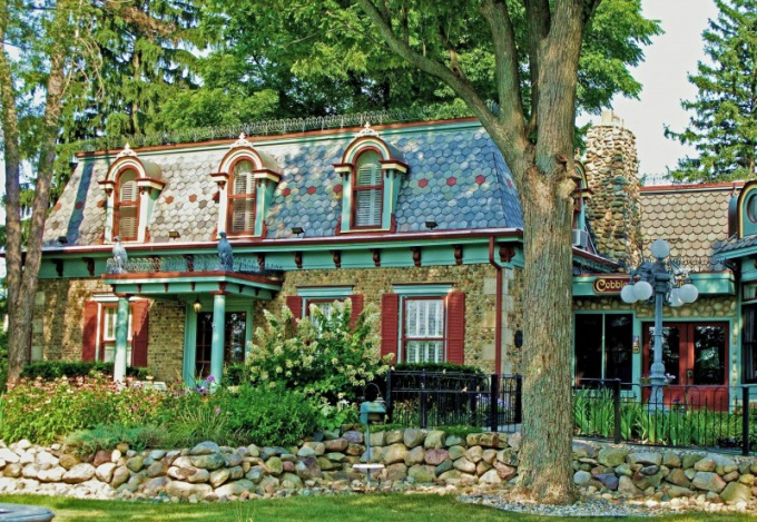 Мансарда в загородном доме: строительство, утепление