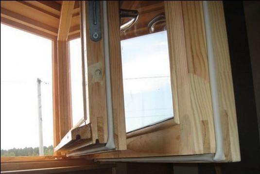 Уплотнители для деревянных окон и дверей: пвх или резина