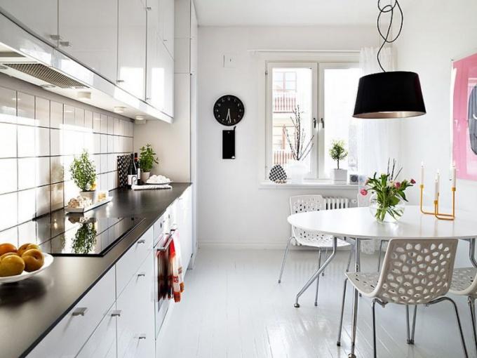 Белый цвет в оформлении кухни