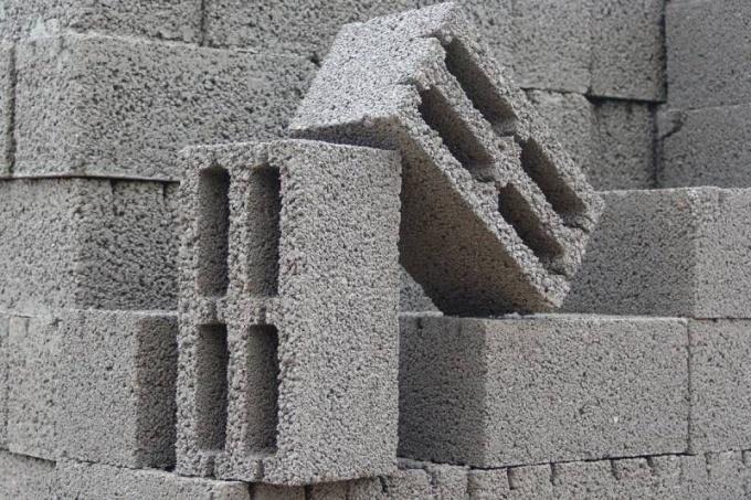 Виды стеновых блоков: бетонные, керамзитобетонные, шлакоблоки