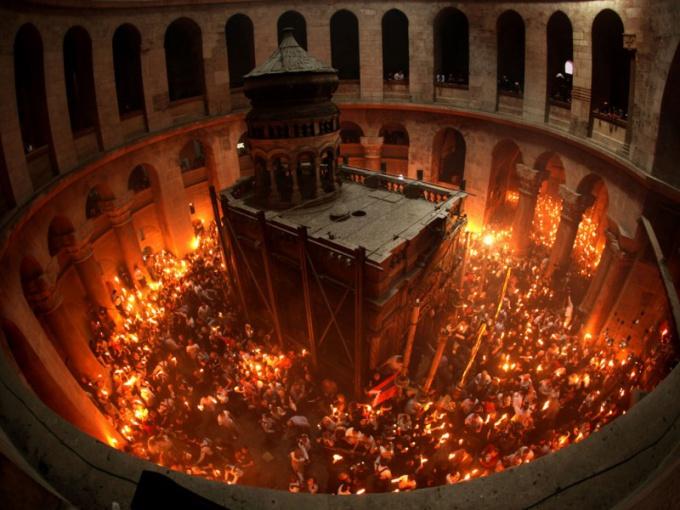 Как зажигается огонь в Иерусалиме