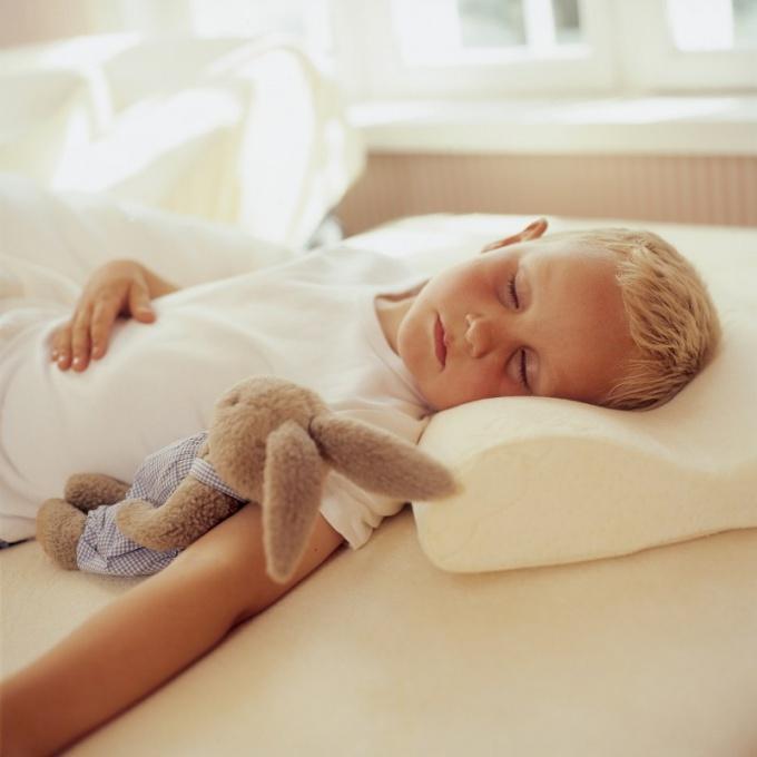 Какая нужна подушка ребенку