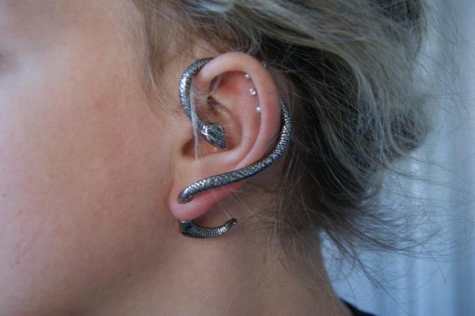 Как делают тоннели в ушах