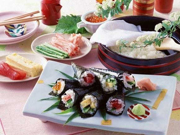 Японская кухня  очень самобытна