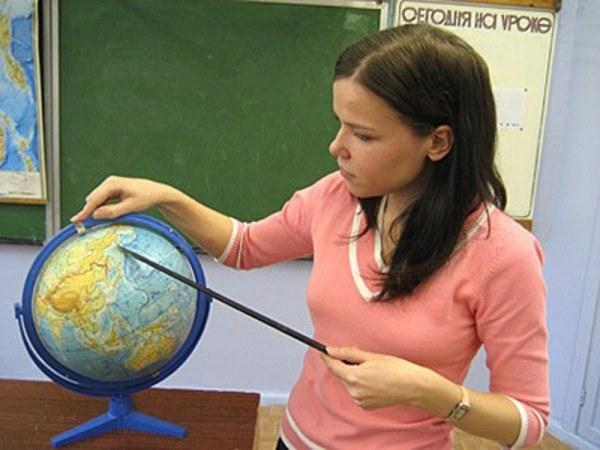 Диплом учителя не означает необходимости работать  в школе, возможностей гораздо больше