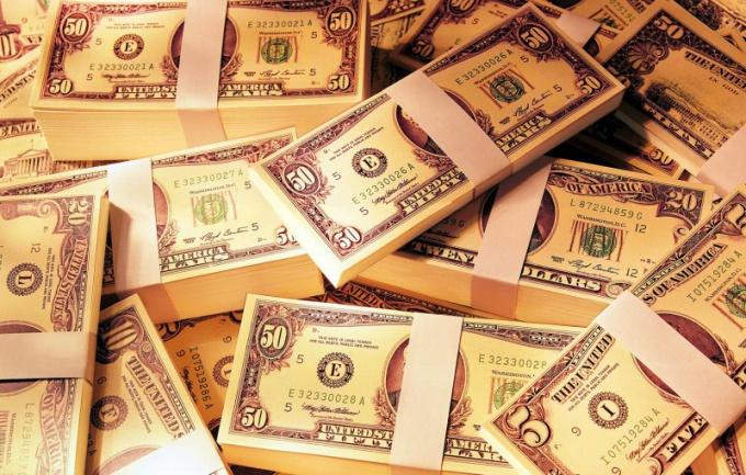 Зарплата должна выплачиваться в полном объеме и в срок