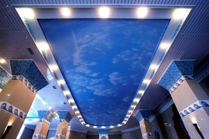 Как крепить светильники на натяжном потолке