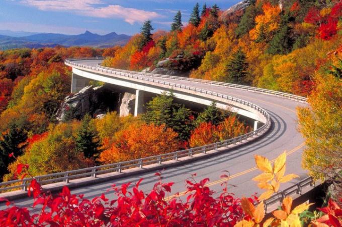 Куда можно съездить в октябре