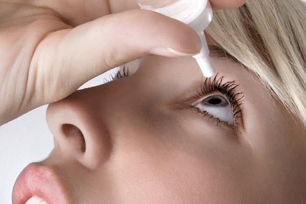 Как закапывать капли в глаза