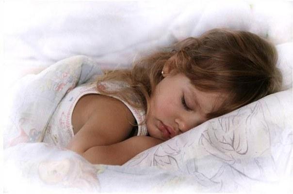 Как научить детей засыпать вовремя