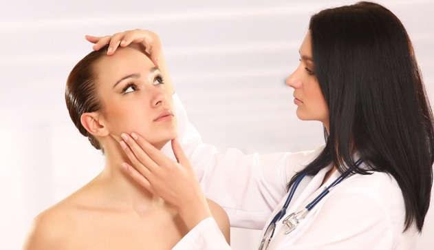Как избавиться от жировиков на шее