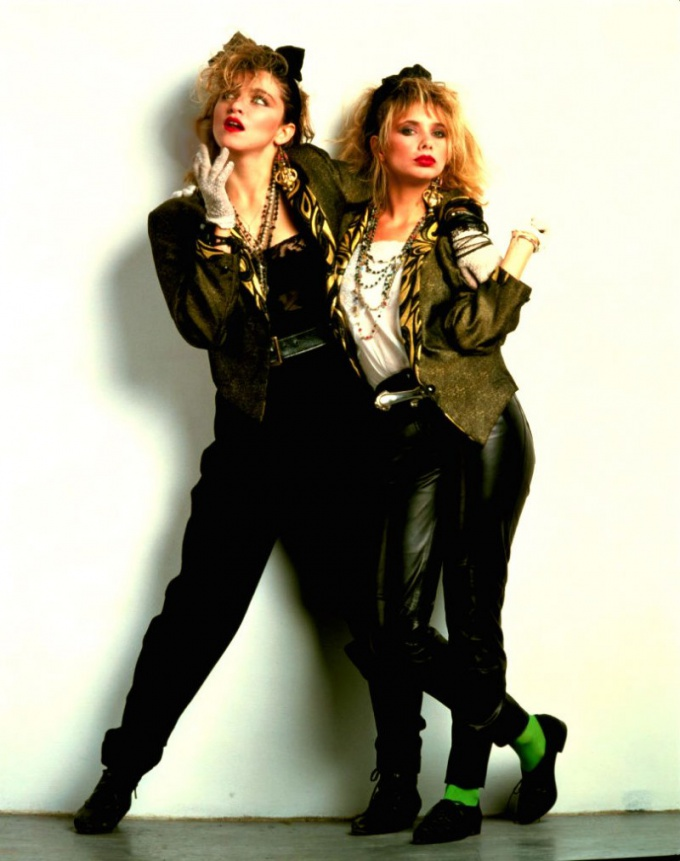 В 1980-е в моду вошли эпатажность и нарочитость