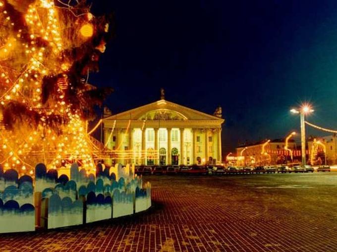 Площади Минска перед Новым годом сказочны