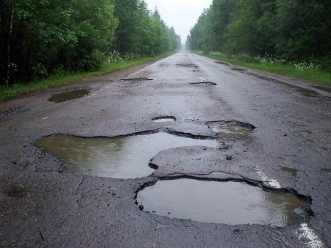 Куда жаловаться на дороги