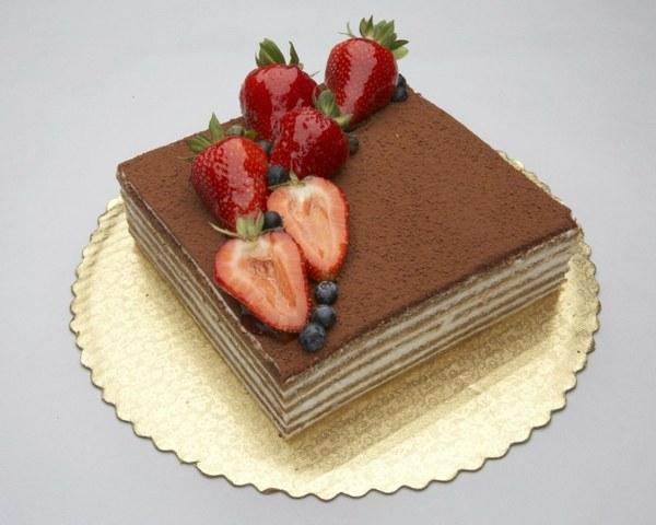 Торт-корзинка из вафельных коржей-фото