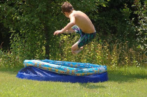 How to install inflatable pool