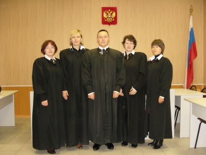 Жалуясь на судью, будьте готовы к тому, что вы можете получить его не менее дотошного коллегу.