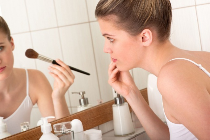 How to make-up like Barbie