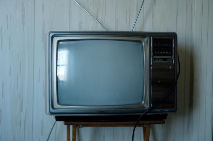Куда сдать б/у телевизор