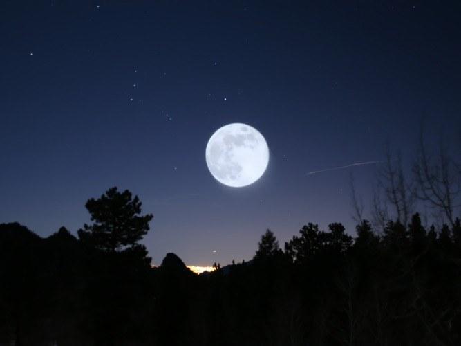Как наблюдать за луной