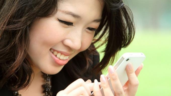 Как перекинуть контакты с телефона