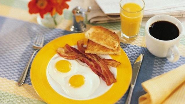 Полезный завтрак поддержит вашу энергию на высоком уровне.