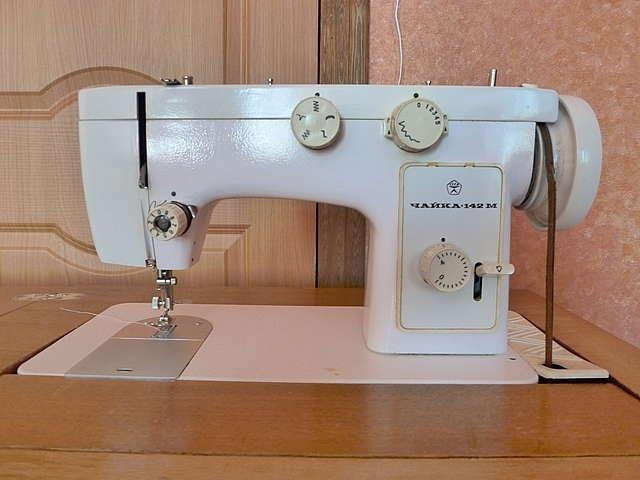 """Как вставить нитку в швейной машинке """"Чайка"""""""