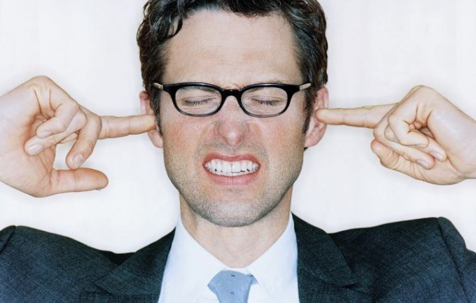 Как лечить шум в ухе