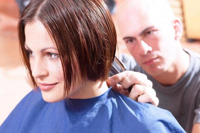 Куда и когда пойти учиться на парикмахера