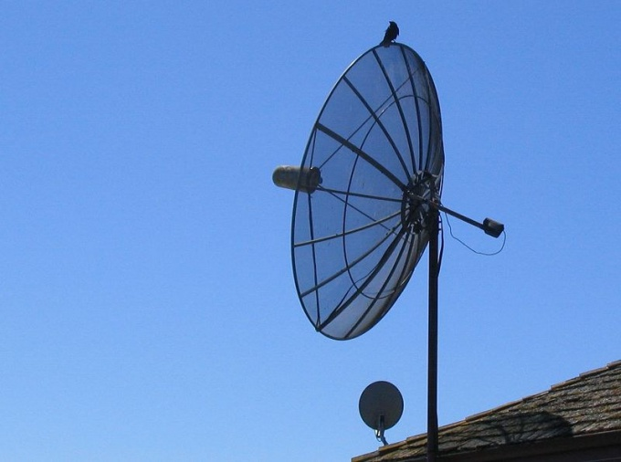 As one satellite dish to connect two TVs