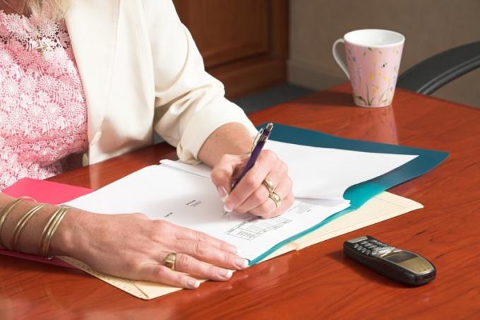 Как написать заявление приставам
