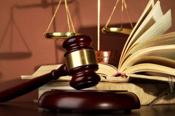 Как подать иск в суд на страховую компанию